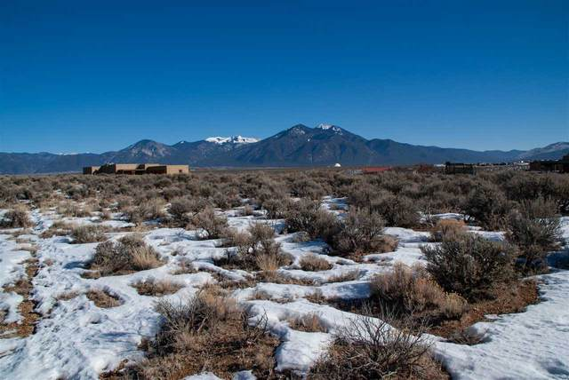 by 77 Sugar Lane, El Prado, NM 87529 (MLS #106272) :: Page Sullivan Group
