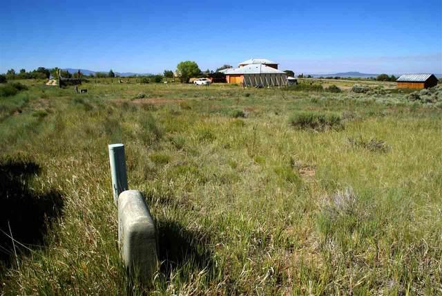 Vista Lejos Road, Arroyo Seco, NM 87514 (MLS #106555) :: Coldwell Banker Mountain Properties