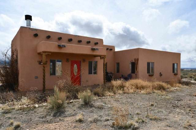 27 Cactus Flower Rd, Taos, NM 87571 (MLS #106607) :: Berkshire Hathaway Home Services