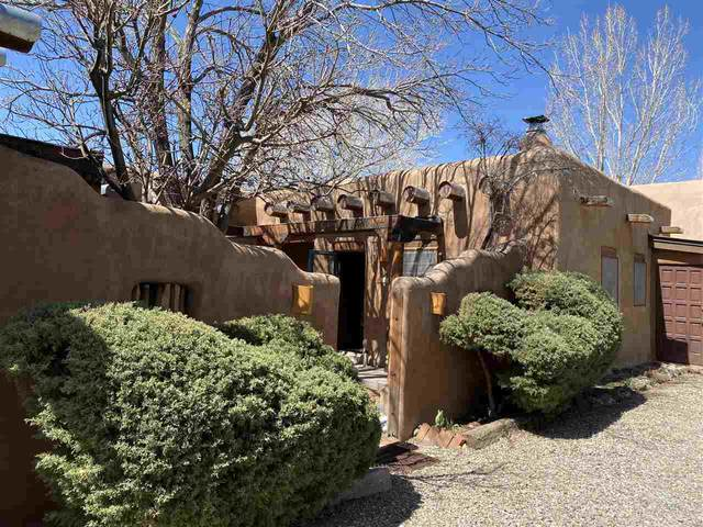 110 Padre Martinez Lane, Taos, NM 87571 (MLS #106661) :: Page Sullivan Group
