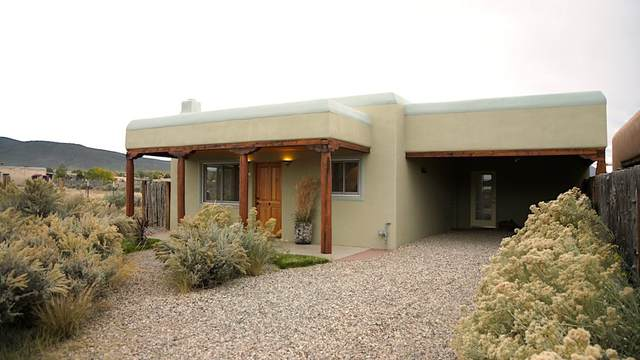 240 Roy Rd, Taos, NM 87571 (MLS #106679) :: Chisum Realty Group