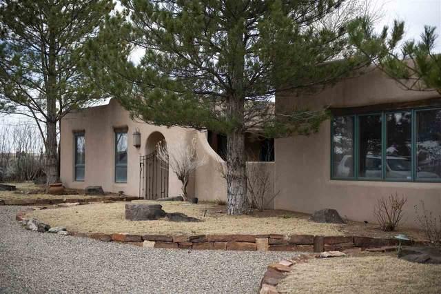 35 North Mesa Road, Taos, NM 87571 (MLS #106786) :: Coldwell Banker Mountain Properties
