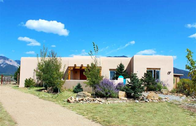 9 Camino Nopal, El Prado, NM 87529 (MLS #106805) :: Angel Fire Real Estate & Land Co.
