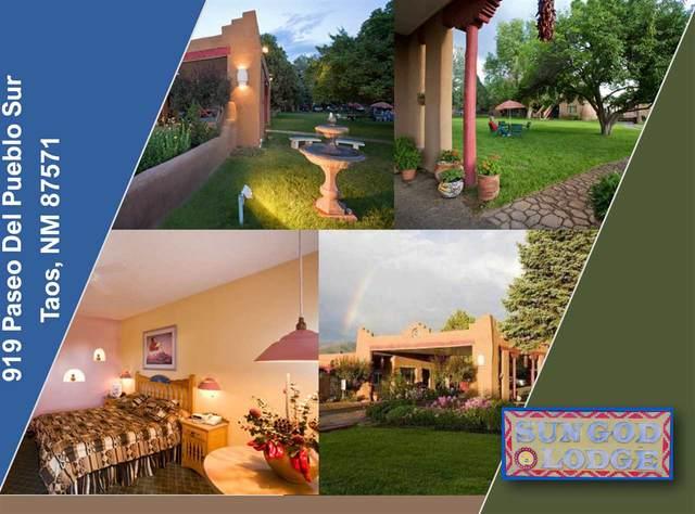 919 S Paseo Del Pueblo Sur, Taos, NM 87571 (MLS #106810) :: Berkshire Hathaway Home Services