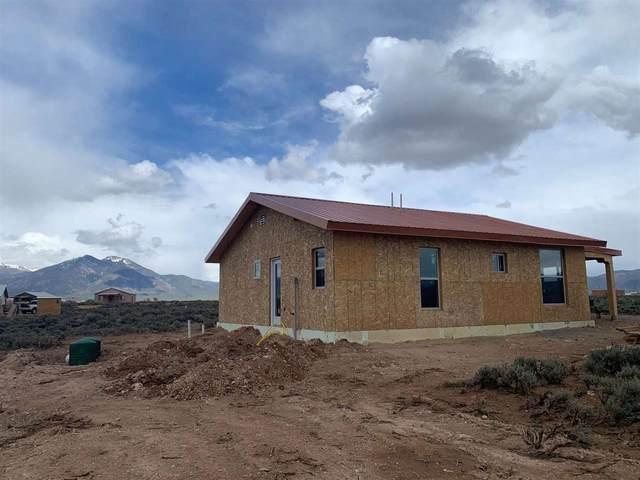 18 Sacred Vista, El Prado, NM 87529 (MLS #106823) :: Page Sullivan Group