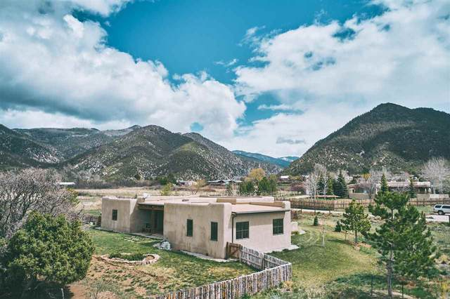 17 Calle Crucita, Arroyo Seco, NM 87514 (MLS #106824) :: Angel Fire Real Estate & Land Co.