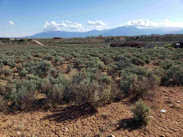 Lot 18 C Vista Linda Road, Ranchos de Taos, NM 87557 (MLS #106923) :: Chisum Realty Group