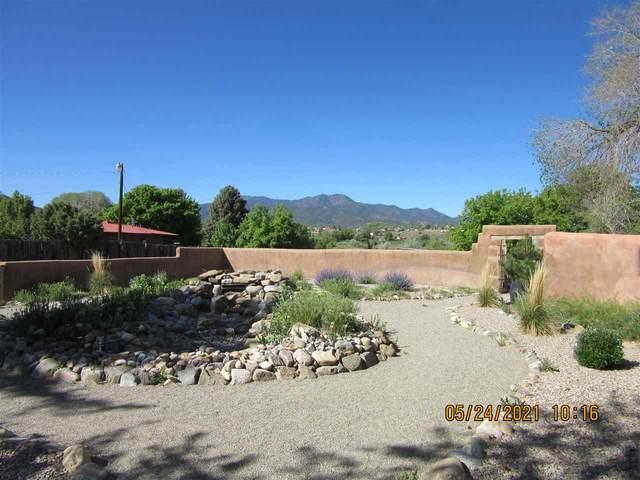 62 Valerio Road, Ranchos de Taos, NM 87557 (MLS #106980) :: Berkshire Hathaway Home Services