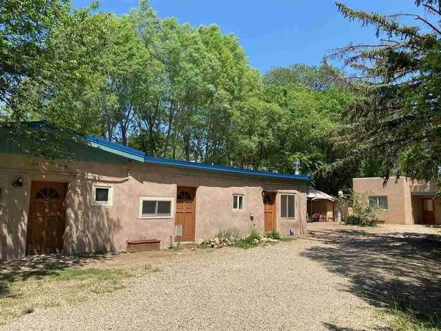 223 Charlotte Ln, Taos, NM 87571 (MLS #107100) :: Berkshire Hathaway Home Services