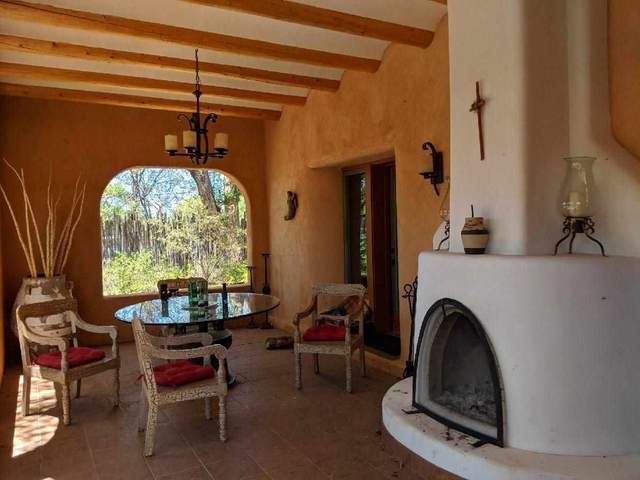 112 Las Cruces Road, Taos, NM 87571 (MLS #107112) :: Berkshire Hathaway Home Services