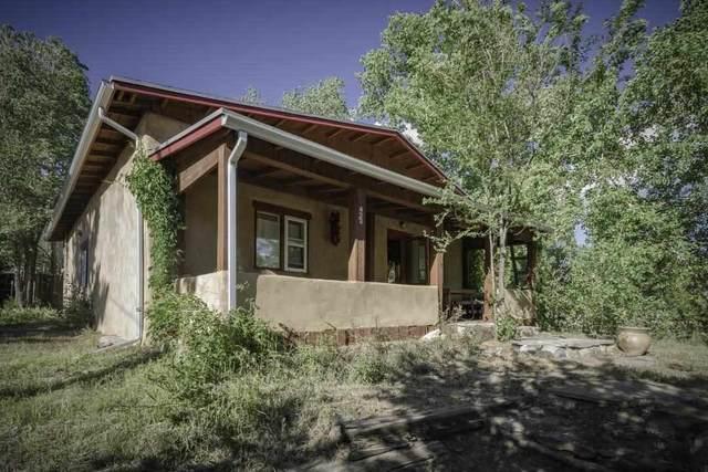 423 Ranchitos Road, Taos, NM 87571 (MLS #107158) :: Coldwell Banker Mountain Properties