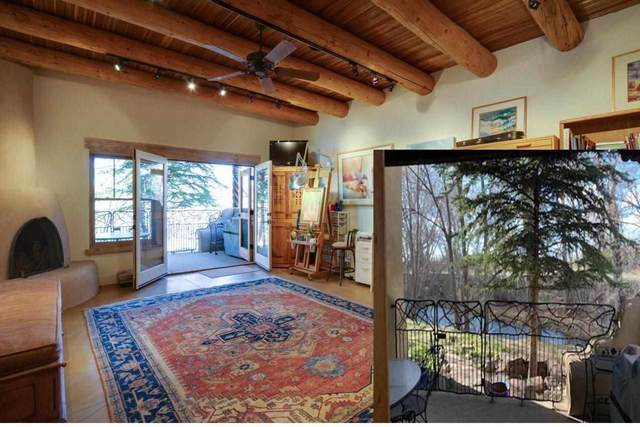 205 Upper Ranchitos, Taos, NM 87571 (MLS #107263) :: Berkshire Hathaway Home Services