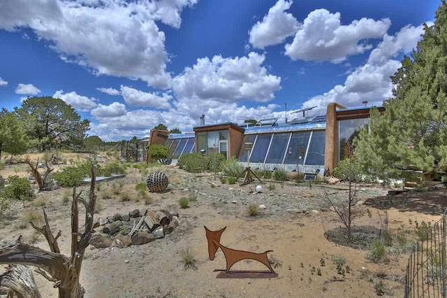 7 Mesa Road, Carson, NM 87517 (MLS #107278) :: Berkshire Hathaway Home Services