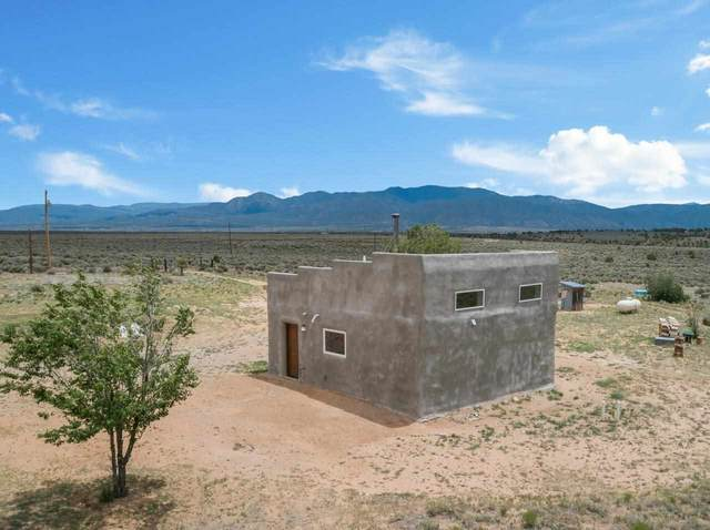 59 Fasthorse Road, Carson, NM 87517 (MLS #107293) :: Berkshire Hathaway Home Services