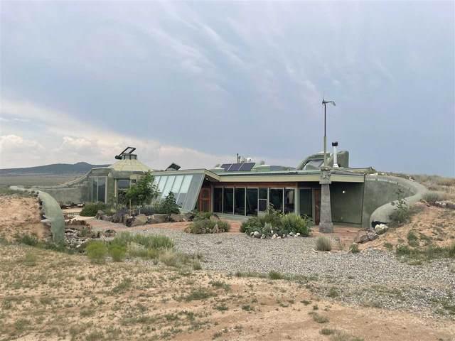 2 Happy Trail, Tres Piedras, NM 87577 (MLS #107393) :: Berkshire Hathaway Home Services