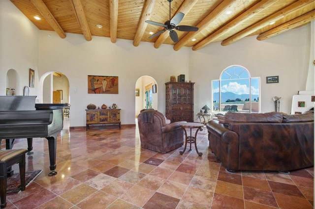 57 Baird Dr, Ranchos de Taos, NM 87557 (MLS #107478) :: Chisum Realty Group