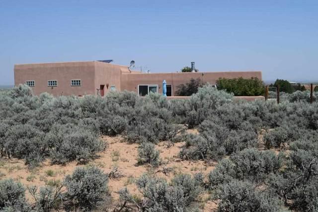 61 Vista Del Ocaso, Ranchos de Taos, NM 87557 (MLS #107543) :: Chisum Realty Group