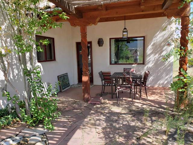 17 A Calle Del Sol, Ranchos de Taos, NM 87557 (MLS #107668) :: Chisum Realty Group