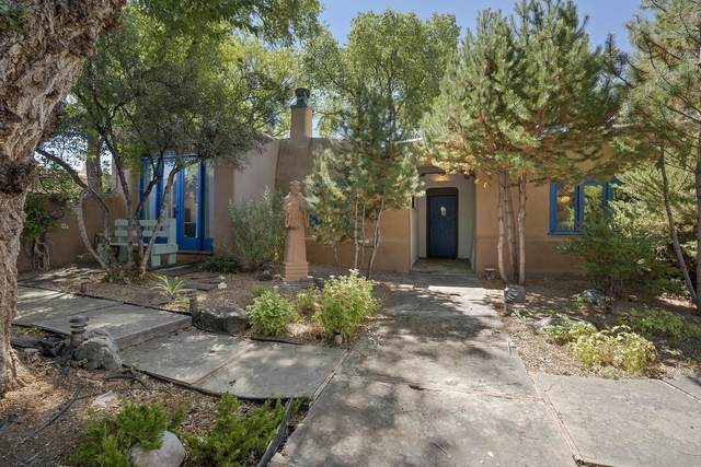234 Ledoux, Taos, NM 87571 (MLS #107807) :: Chisum Realty Group