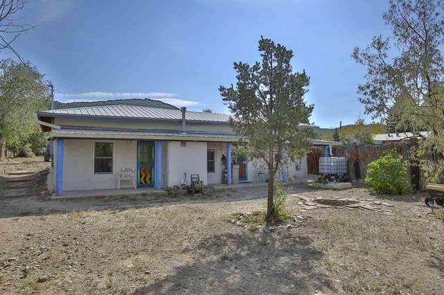 66 Maestas Road, Ranchos de Taos, NM 87557 (MLS #107952) :: Berkshire Hathaway Home Services