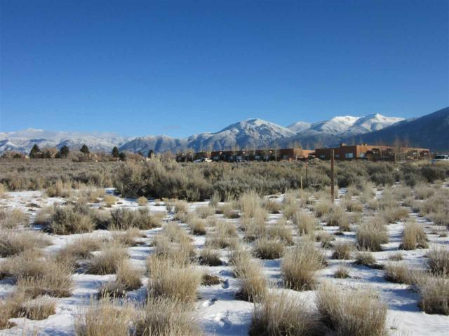 18A Cresta De La Luna, Taos, NM 87571 (MLS #99300) :: The Chisum Realty Group