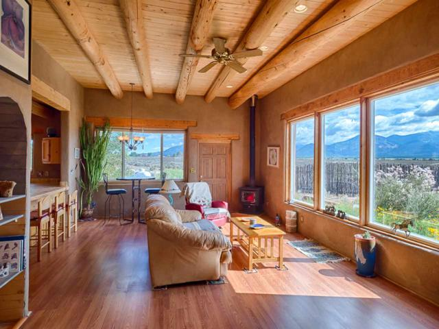 32 Colonias Pointe, Taos, NM 87571 (MLS #102302) :: The Chisum Realty Group