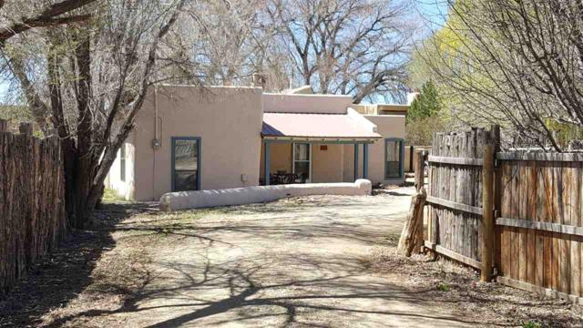 844 Upper Ranchitos Rd, Taos, NM 87571 (MLS #103029) :: The Chisum Realty Group
