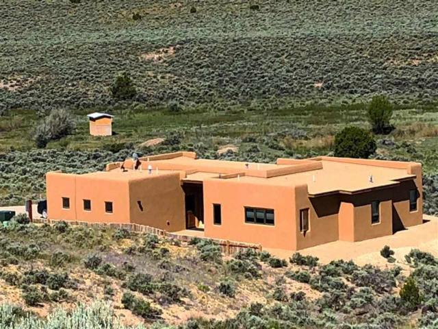 9 Camino De Miguel, El Prado, NM 87529 (MLS #103490) :: Page Sullivan Group | Coldwell Banker Mountain Properties