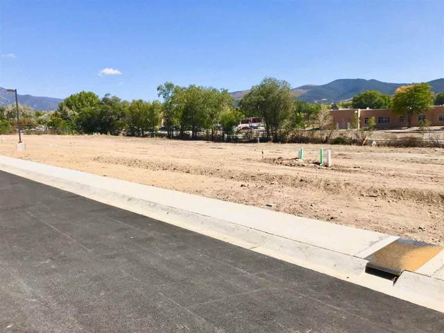 302 Pond Court, Taos, NM 87571 (MLS #103822) :: The Chisum Realty Group