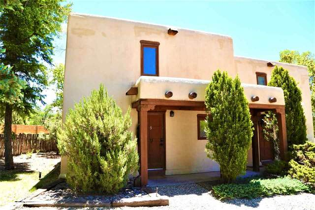 126 Montano Lane, Taos, NM 87571 (MLS #105142) :: Page Sullivan Group