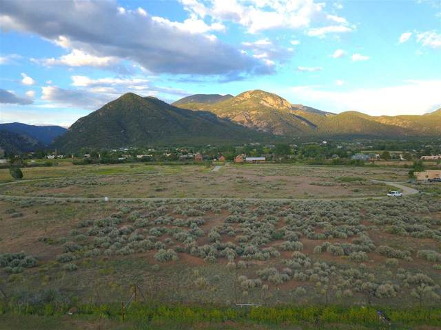 Tract D Vista De Taos Subdivision, Arroyo Seco, NM 87514 (MLS #105210) :: The Chisum Realty Group