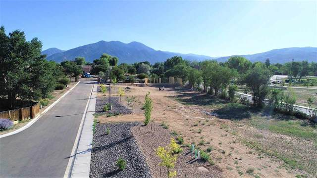 320 Pond Court, Taos, NM 87571 (MLS #105246) :: The Chisum Realty Group