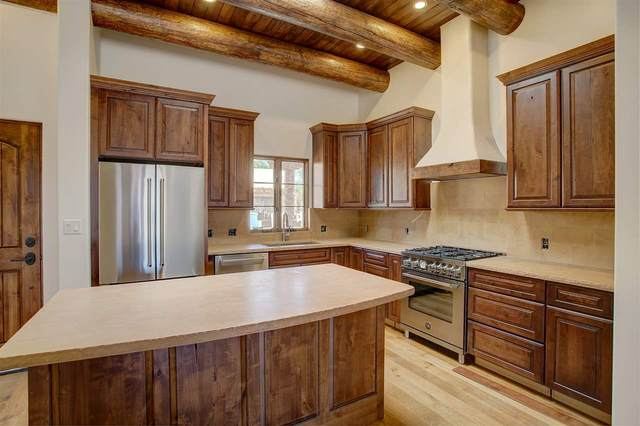 410B Apache Street, Taos, NM 87571 (MLS #105318) :: Page Sullivan Group