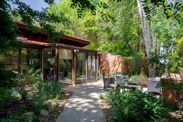 510 San Geronimo, Taos, NM 87564 (MLS #107040) :: Berkshire Hathaway Home Services