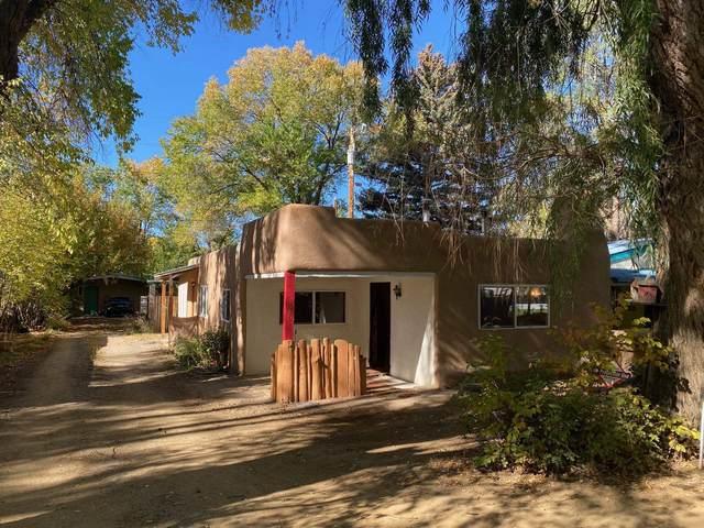 520 Conrad Lane, Taos, NM 87571 (MLS #107177) :: Berkshire Hathaway Home Services