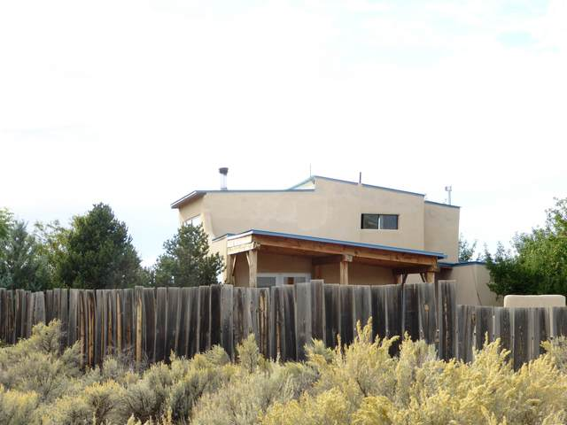 42 Camino Ovejeros, El Prado, NM 87529 (MLS #107822) :: Angel Fire Real Estate & Land Co.