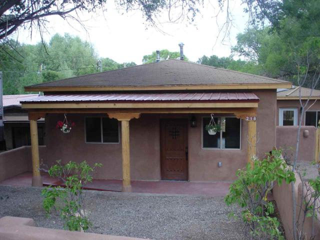 218 Valverde St, Taos, NM 87571 (MLS #101946) :: The Chisum Realty Group