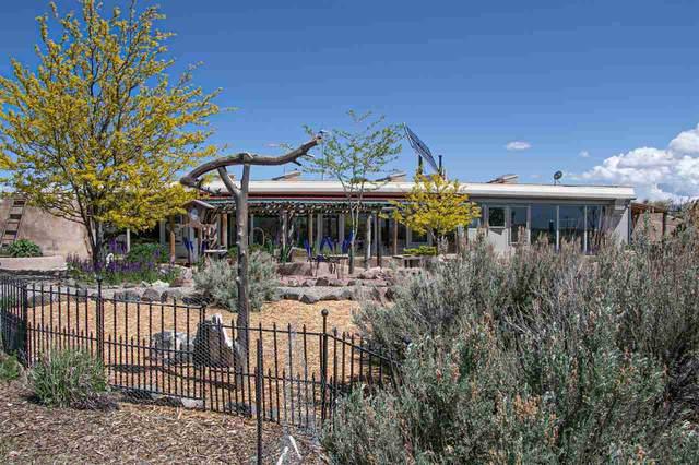289 W Rim Road, Taos, NM 87571 (MLS #106676) :: Berkshire Hathaway Home Services