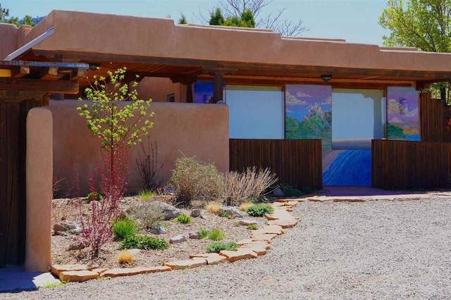 1457 Santa Cruz Rd, Taos, NM 87571 (MLS #106464) :: Page Sullivan Group