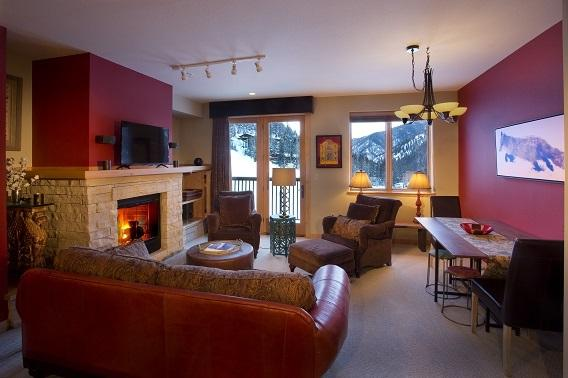 106 Sutton Place, Taos Ski Valley, NM 87525 (MLS #100491) :: The Chisum Group