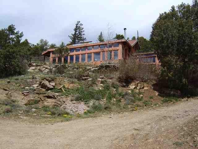 16 Sombra De Oso, Taos, NM 87571 (MLS #101331) :: The Chisum Group