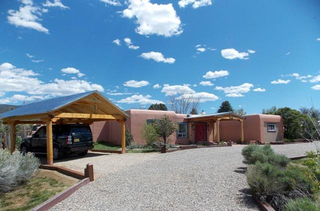 915 Calle Conquistador, Taos, NM 87571 (MLS #101368) :: Page Sullivan Group | Coldwell Banker Lota Realty