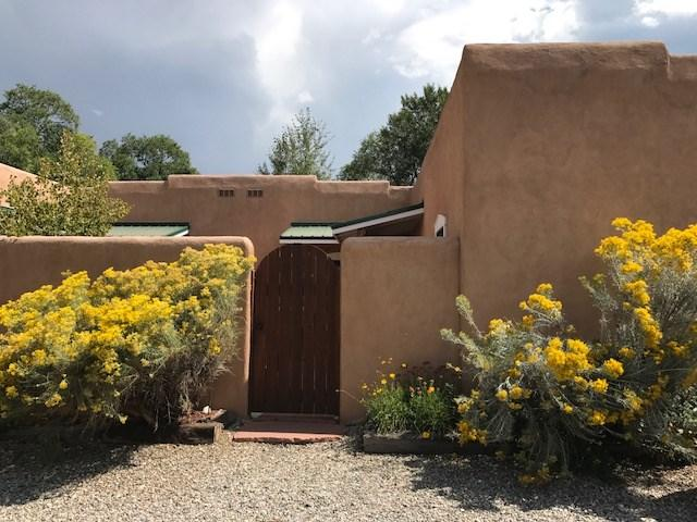 512 Acoma, Taos, NM 87571 (MLS #103046) :: Angel Fire Real Estate & Land Co.