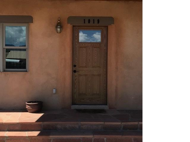 1019 Calle Palomita, Taos, NM 87571 (MLS #103083) :: The Chisum Realty Group