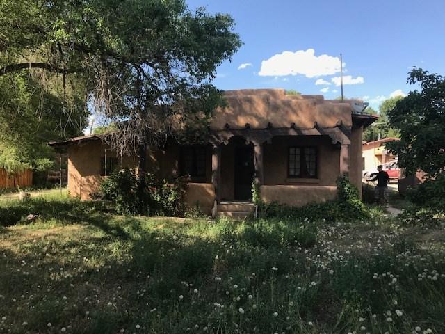 106 De Teves, Taos, NM 87571 (MLS #103660) :: Angel Fire Real Estate & Land Co.