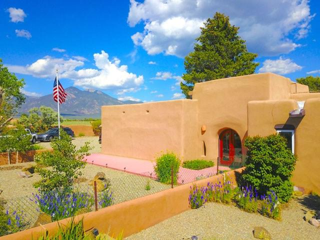 421 Blueberry Hill Road, Taos, NM 87571 (MLS #103955) :: Angel Fire Real Estate & Land Co.