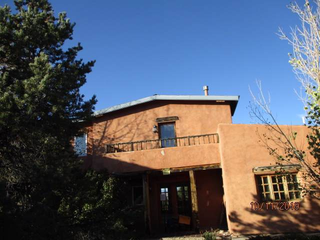 36 Camino Perdido, Taos, NM 87571 (MLS #104508) :: The Chisum Realty Group