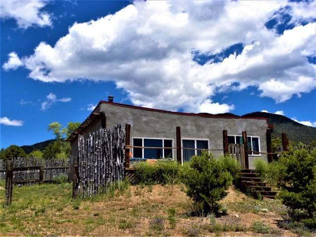 86 Llano Road, Questa, NM 87556 (MLS #104799) :: Angel Fire Real Estate & Land Co.