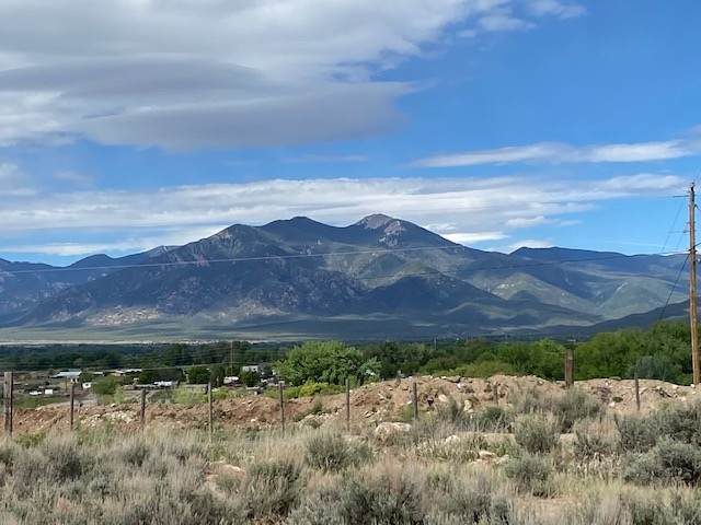 000 Cuchilla Rd, Taos, NM 87571 (MLS #105133) :: The Chisum Realty Group