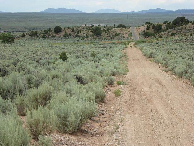 Tract B2 Gijos Way Cr 110, Ranchos de Taos, NM 87557 (MLS #105366) :: The Chisum Realty Group